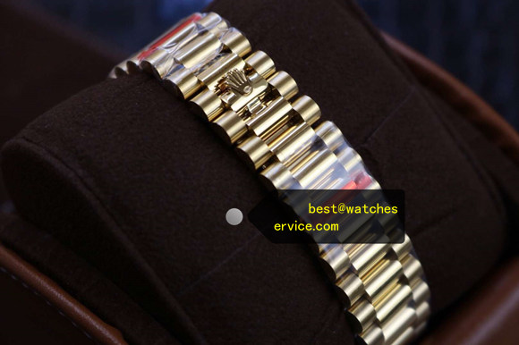 18k-Gold Slanted Plaid Fake Rolex Day Date 228238 Watch