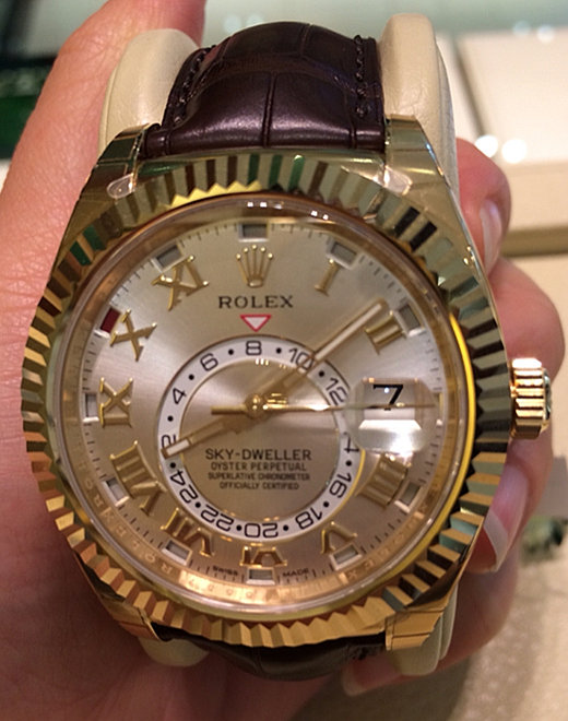 Replica Rolex Sky Dweller Golden Ring 326138